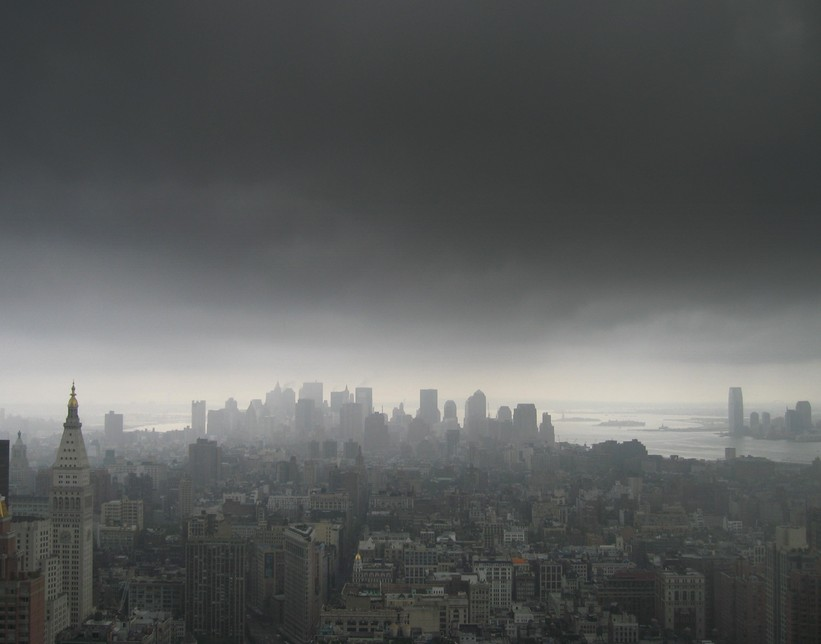 http://ramonaemerson.com/wp-content/uploads/2011/08/New-York-City-Thunderstorms-Jeff-Ragovin1.jpg